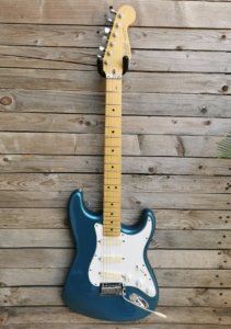 RIF 751 Fender Stratocaster Strat Plus Deluxe E4 1980's With Hard case and Fender Card